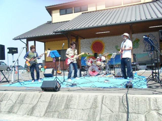 201054_004_3